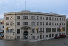 Mall Plaza / Abbott Clinic