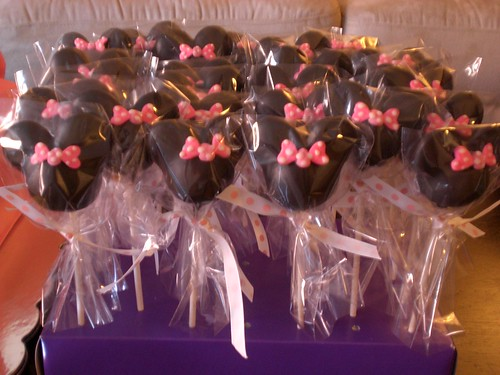 Minnie Mouse Cake Pops by Gladycakes