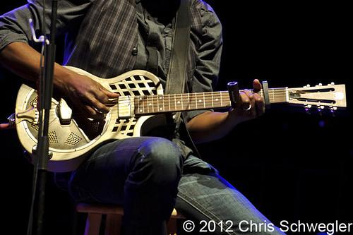 Keb' Mo' - 01-20-12 - Royal Oak Music Theatre, Royal Oak, MI