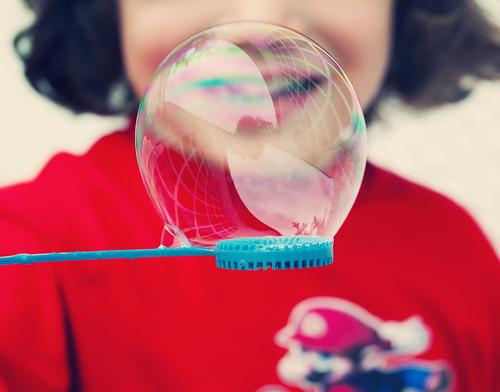 carlos con burbuja de agua