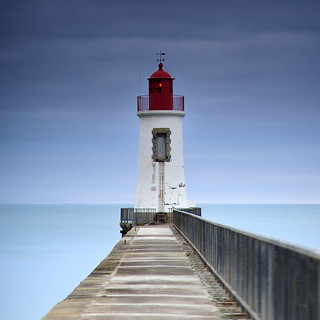 Le phare rouge ~ Les Sables d'Olonne ~ Vendée ~ France