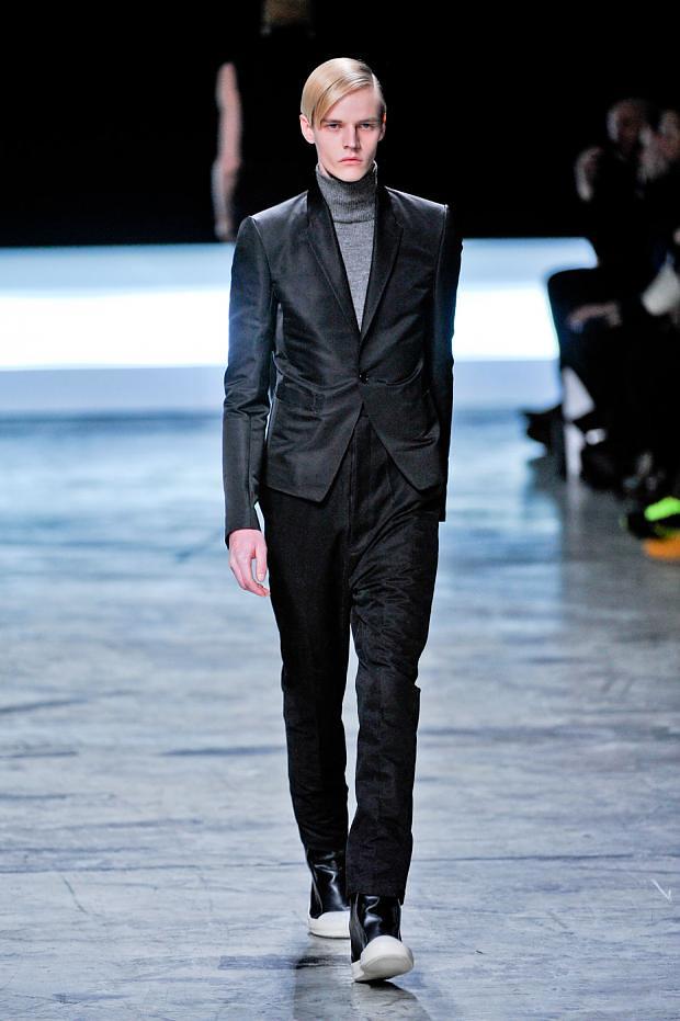 Bart Grein3070_01_FW12 Paris Rick Owens(fashionising.com)