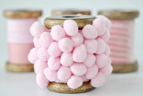 Pink pom-pom