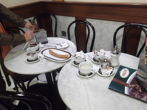 Zaragoza | Chocolatería Valor | Churro y chocolates