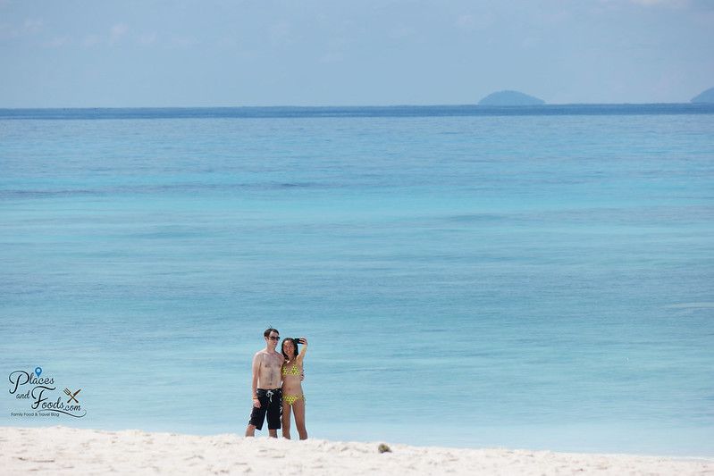 tachai island couple by the beach