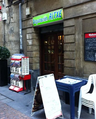 CAFE AITXE en Casco Viejo Bilbao o NO solovale la simpatia. by LaVisitaComunicacion
