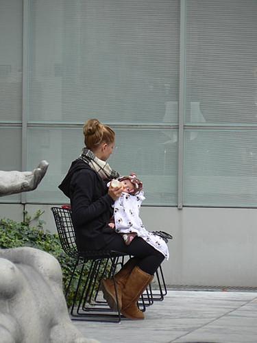 bébé au MOMA.jpg