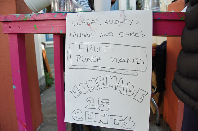 Ellsworth Fruit Punch Stand