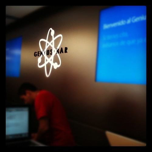 Genius bar en apple store valencia by rutroncal
