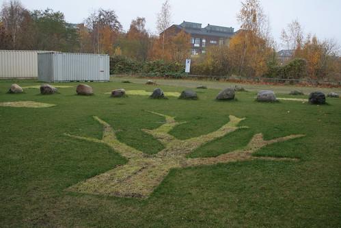 Cykellegebanen spor i græsset