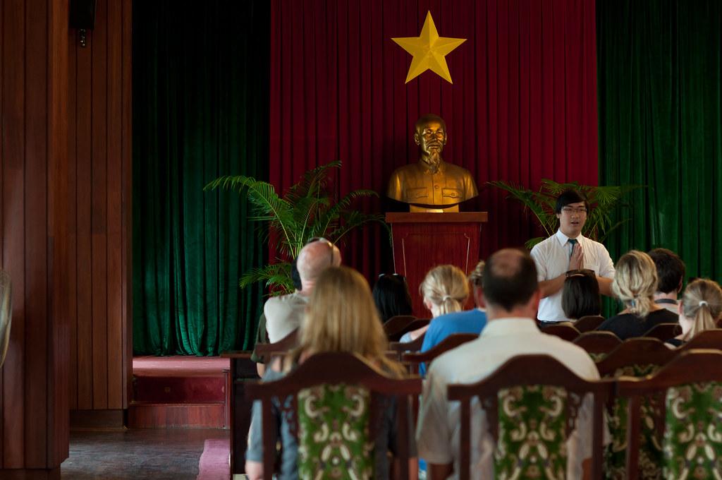 guide me to Hồ Chí Minh