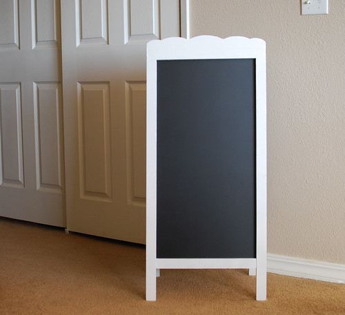 Our DIY Scalloped Chalkboard Easel