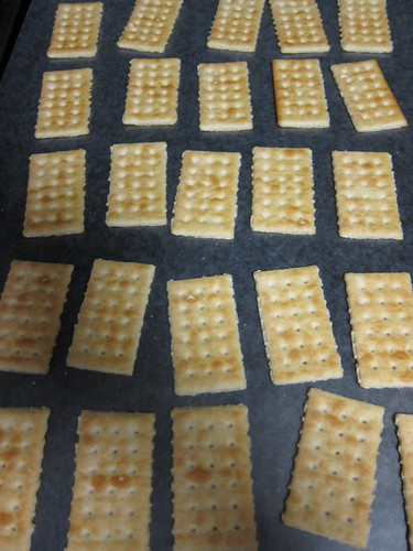 lay out the crackers