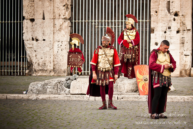 Centurioni romani a difesa del Colosseo | Flickr - Photo Sharing!