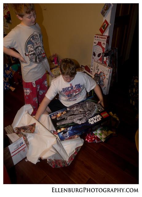 fb 11-12-25 Christmas-54