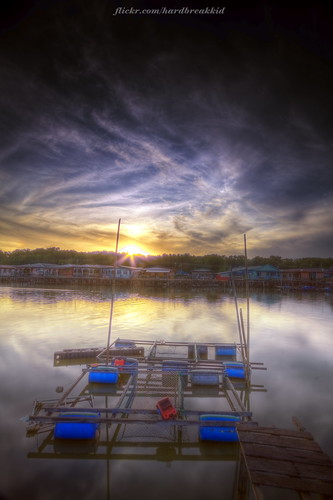 bridge trees houses sky house reflection clouds sunrise canon river eos village pole walkway brunei 1022mm hitech hdr fishingvillage 2012 manfrotto muara 50d ndgrad canoneos50d fishcage batumarang blinkagain badmanproduction firstlightbruneibrn