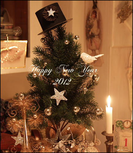 Boxwood Cottage's new years tree by Boxwoodcottage