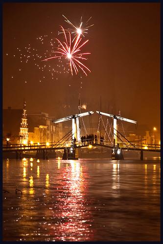 vuurwerk in Leiden (3) by hans van egdom