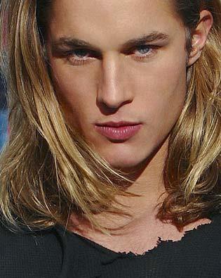 Travis-Fimmel-guapo-modelo-australiano