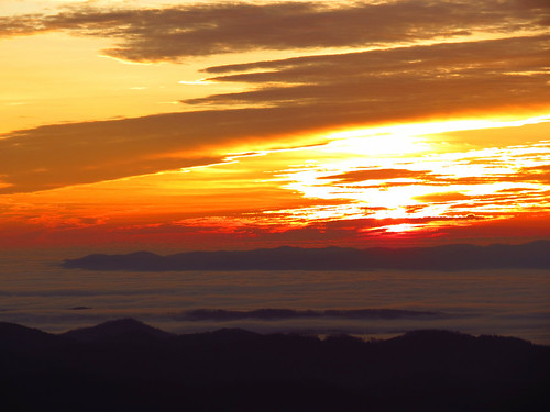 sunrise landscape northcarolina blueridgeparkway westernnorthcarolina southernappalachians ccbyncsa elkmountainoverlook canonpowershotsx40hs