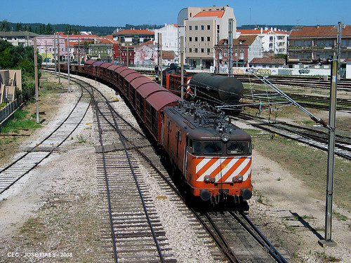 Locomotiva 2505 - Triagem mercadorias (Norte) Estação do Entroncamento, 2008