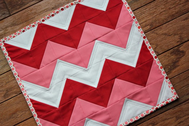 valentine's day mini quilt + tutorial.