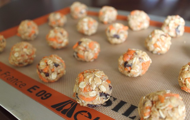 Healthy Carrot Raisin Cookies