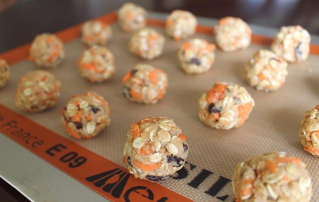 Healthy Carrot Raisin Cookies