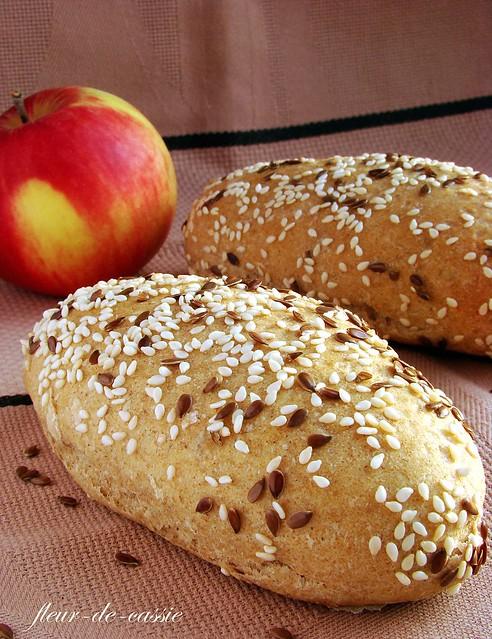 булочки пшенично-ржаные с семенами 1
