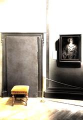 Empty Seat in front of Barred Door - Kunsthistorisches Museum Wien