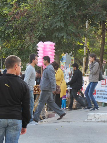 Balikesir: simit and cotton candy seller