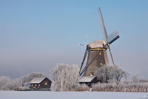 snow cold ice netherlands windmill hoarfrost nederland freezing unesco kinderdijk worldheritage ijs windmolen koud zuidholland rijp vriezen werelderfgoed leuropepittoresque bracom alblassserwaard bramvanbroekhoven