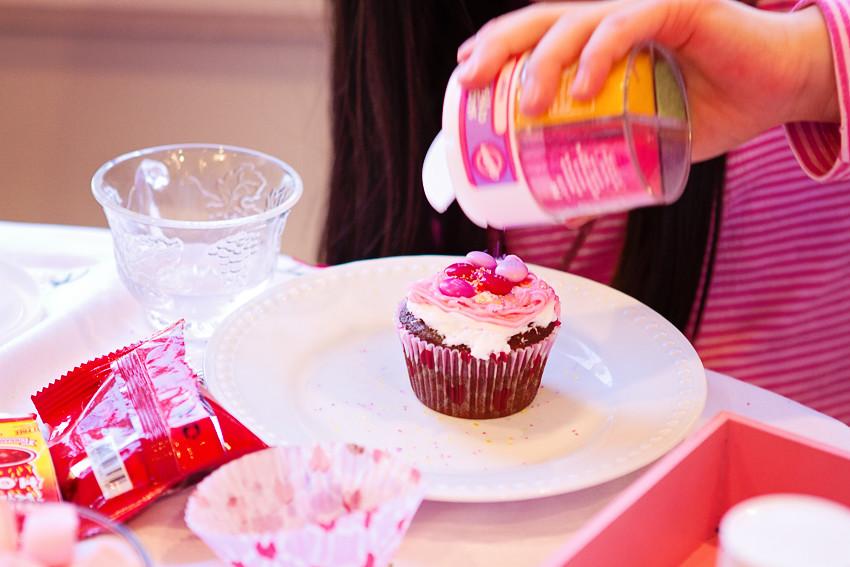 making cupcakes 1
