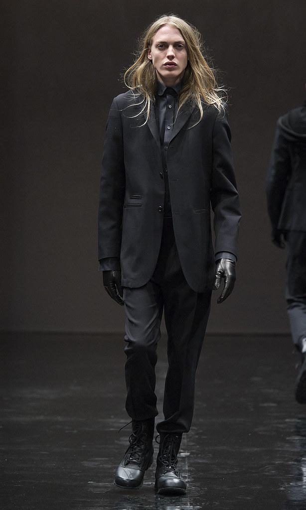 Erik Andersson3054_FW12 Stockholm Oscar Jacobson(Homme Model)