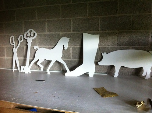 LCOZ CUT OUTS FOR SET SHOPS