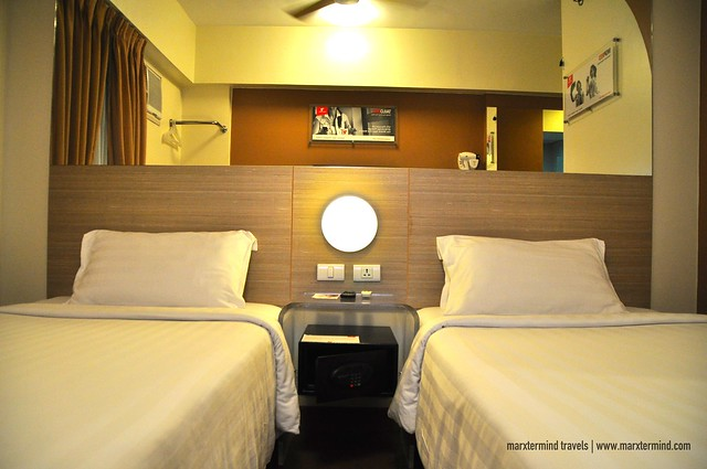 Twin Beds at Red Planet Cebu