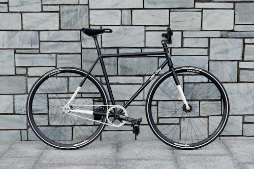 2011-11-18-all-city-big-block-fixed-gear-bike-01[1]