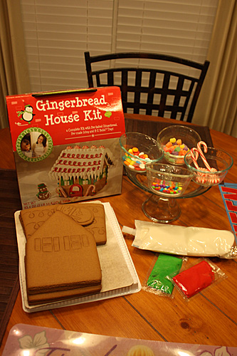 Gingerbread-stuff-out