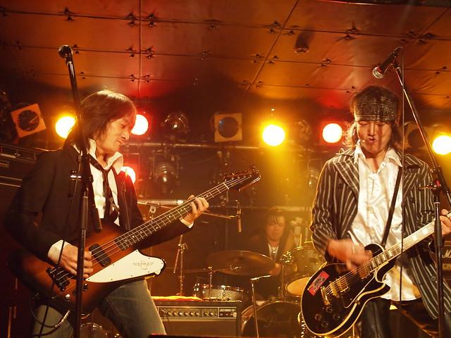 The StarrBootleggerz live at ShowBoat, Tokyo, 03 Dec 2011. 277