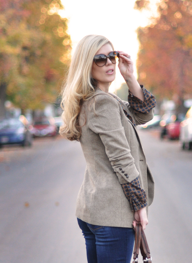 blonde hair-gucci sunglasses-tweed blazer-jeans