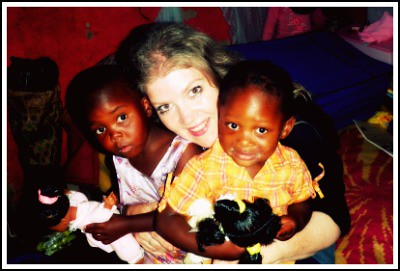 Swaziland Elysa with little girls at Fikile's framed