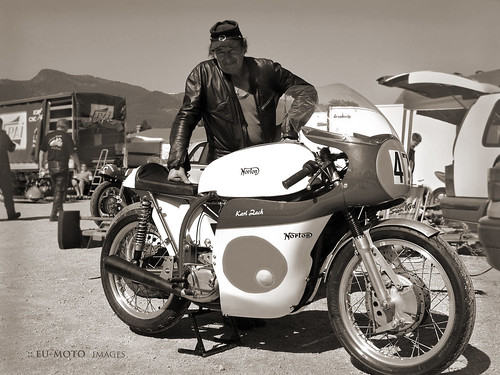 Norton vintage motorcycle racer Staatsmeister 1979 Karl Zach ► All kinds of commercial usage are illegal! ► Copyright B. Egger :: eu-moto images classic motorcycles 5065sep