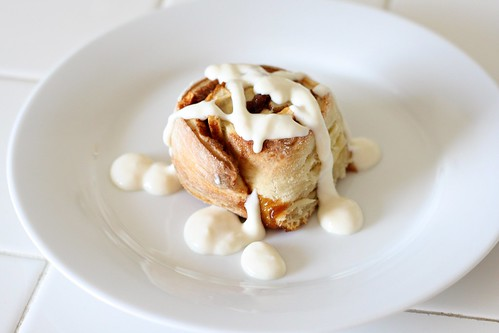 Apple Cinnamon Rolls with Cream Cheese Glaze