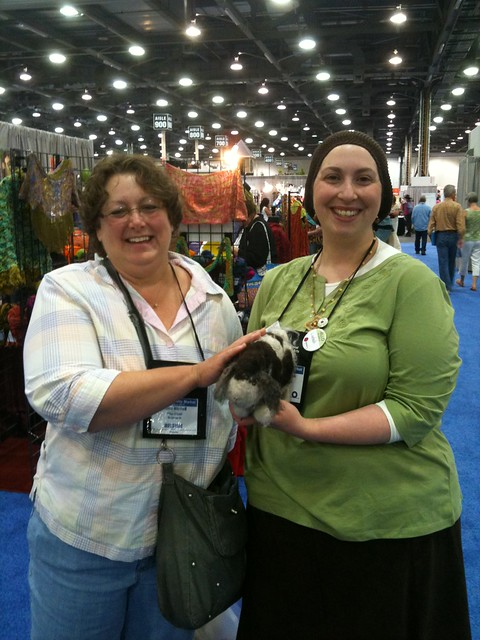 The fabulous ladies Gina Mitchell and Lindsey Stephens holding Rowan at TNNA COlumbus 2011