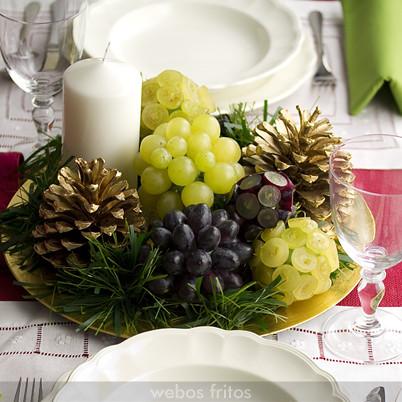 Centro de Navidad con uvas