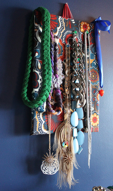 6513875937 c4db5fba08 z The Fine Art of Organizing Your Accessories