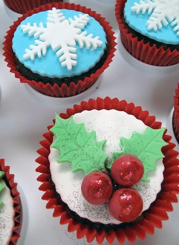 Christmas Cupcakes - snowflake and Christmas Cupcakes - snowflake