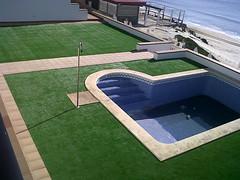 Instalación de Césped Artificial LivingGrass® Oasis realizada en Matalacañas (Huelva)
