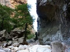 Sortie du canyon du Carciara : la fin du canyon et les restes de câble métallique