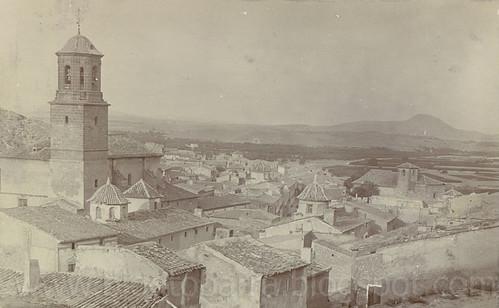 Vista general de la población desde el Camino de la Ermita
